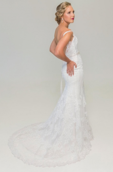 Sheath Silhouette Wedding Dress Off White Lace Low Back Chapel Train That